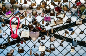 Pont-des-Arts-Paris-France-Love-Locks-photo-by-Jonathan-Savoie_1200